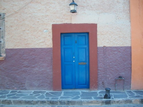 "The ""blue door"" bakery, San Miguel de Allende; Photo:KLawson"