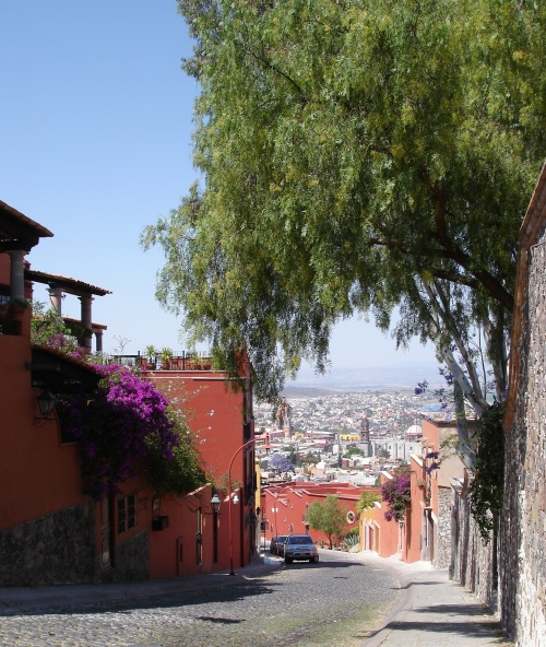Walking cobblestone streets, San Miguel de Allende; Photo:KFawcett