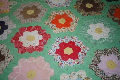 Flower Garden quilt; Photo:KFawcett