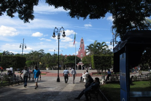 The Plaza de la Independencia with the Palacio Municipal in the background, Merida, Yucatan, Mexico; Photo:KFawcett