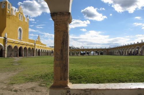 Atrium of Ex-Convento y Iglesia de San Antonio de Padua in Izamal, Yucatan, Mexico; Photo:KFawcett
