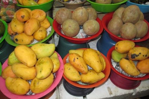 Mangos and Sapotes at the Merida Market, Merida, Yucatan, Mexico; Photo:KFawcett