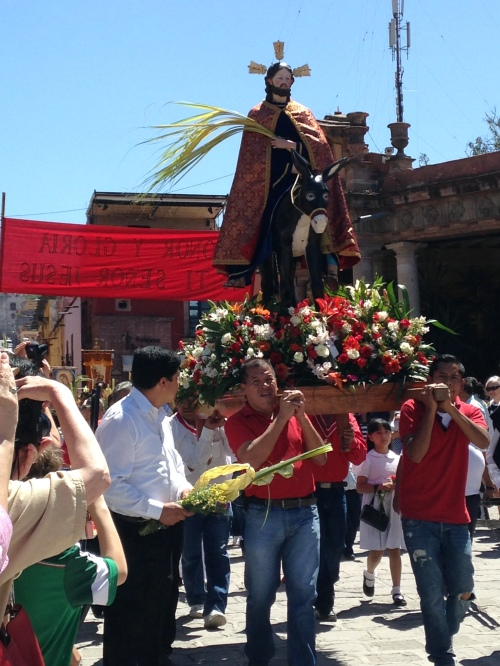 Palm Sunday Procession, San Miguel de Allende, GTO, Mexico; Photo:KFawcett