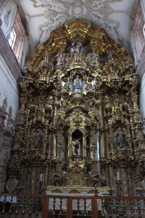 Golden altar of the Templo de San Cayetano in Valenciana, Guanajuato, Mexico; Photo:KFawcett